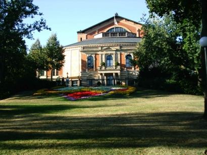 2000-е. Театр в Байрейте. Свет и тень